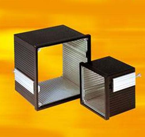 Contenitori per strumentazione da pannello in alluminio serie 442
